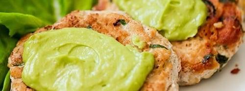 avocado_chicken_burgers_2